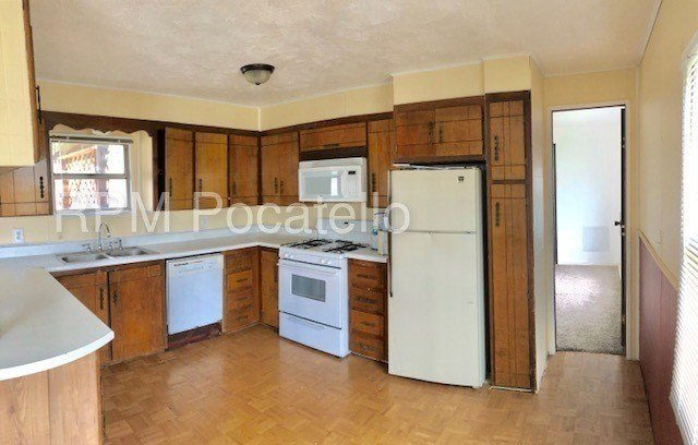 Best 3 Bedroom 2 Bathroom House Trailer For Rent Apartment With Pictures