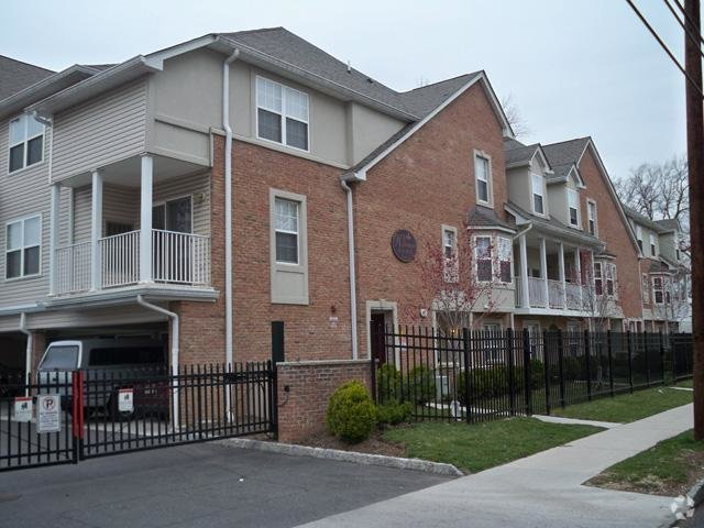 Best Westminster Arms Apartments Elizabeth Nj Apartments Com With Pictures