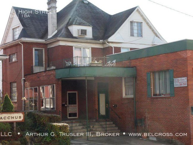 Best 1 Bedroom Apartment Downtown Available Now House For With Pictures