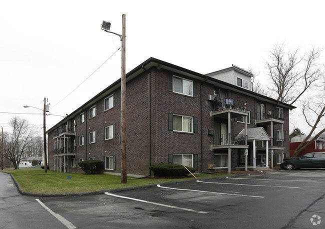 Best Lowell Arms Apartments Apartments Methuen Ma With Pictures