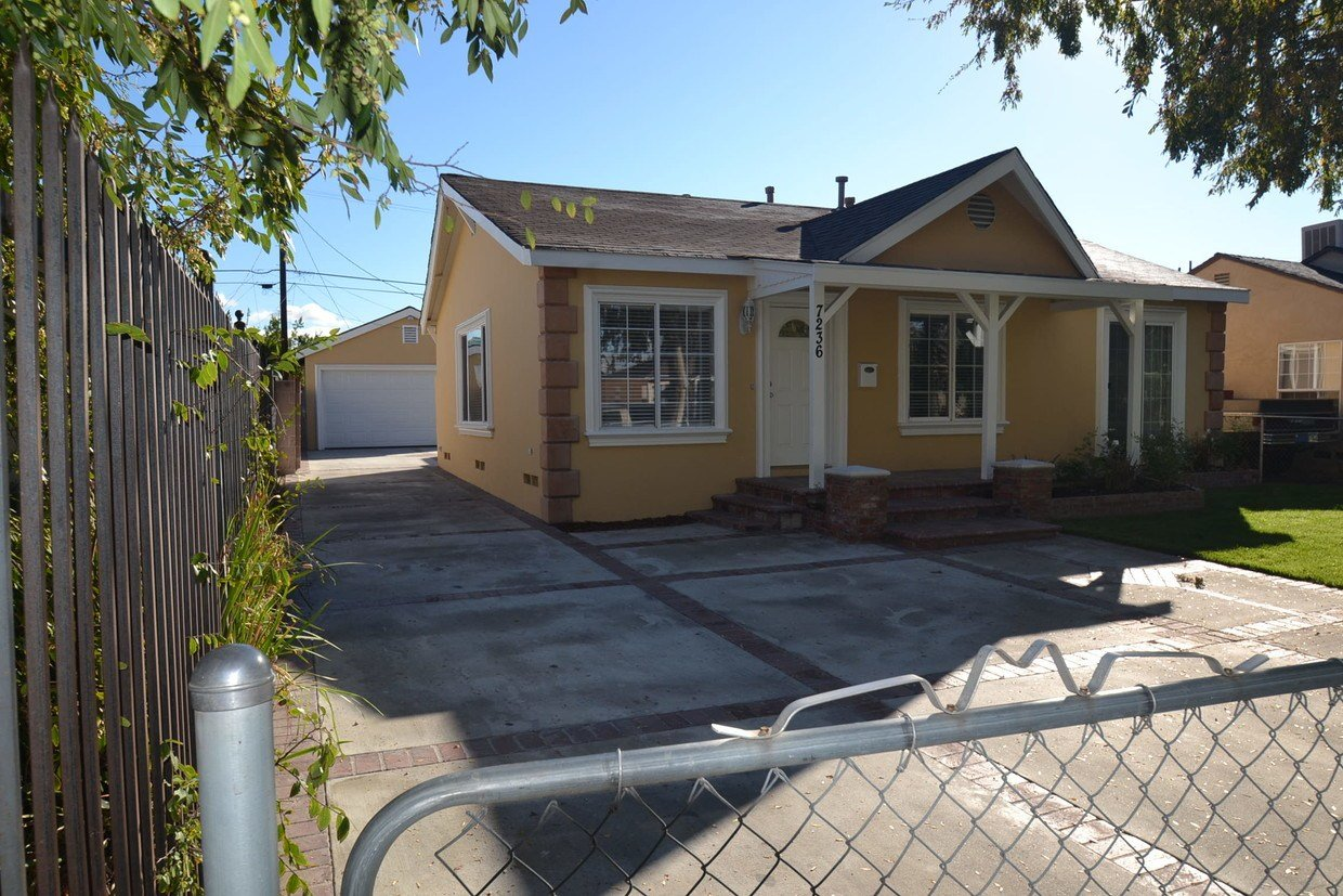 Best House In North Hollywood 3 Bed 2 Bath 3125 With Pictures
