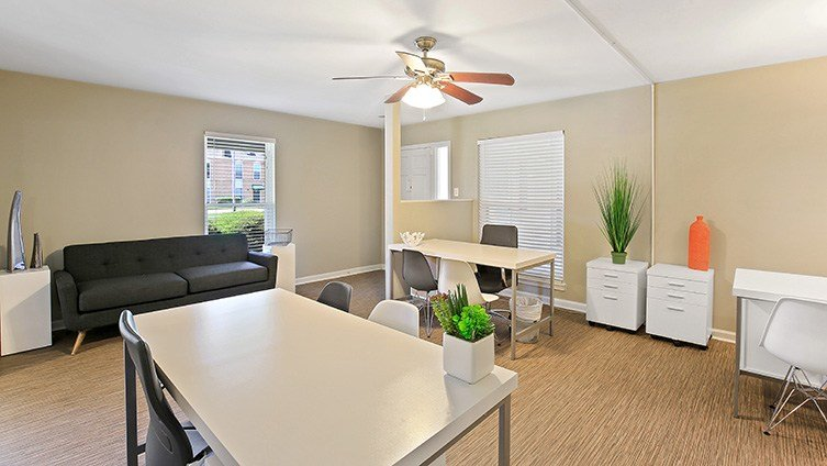 Best The Hub At Baton Rouge Apartment Homes Rentals Baton With Pictures