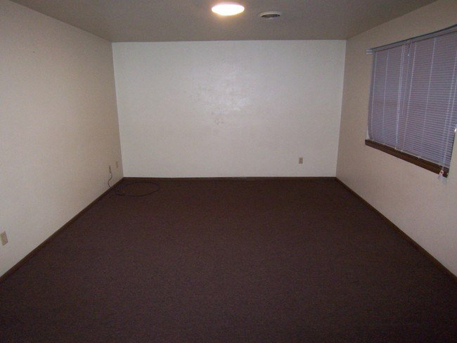 Best Very Convenient 1 Bedroom Apartment Apartment For Rent With Pictures