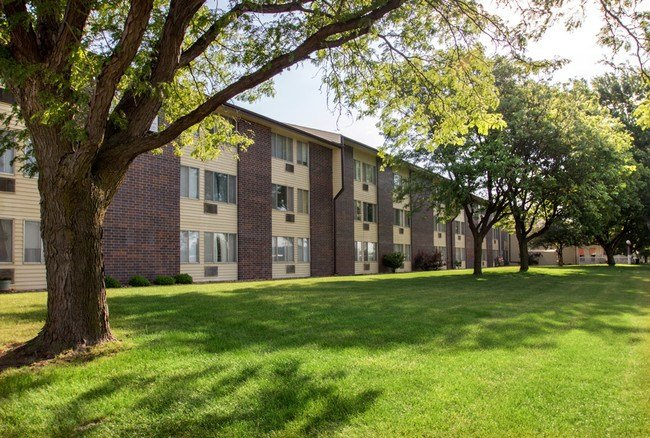 Best Grandview Apartments Apartments Grand Island Ne With Pictures