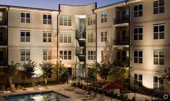 Best Brookleigh Flats Luxury Apartment Homes Rentals Atlanta With Pictures