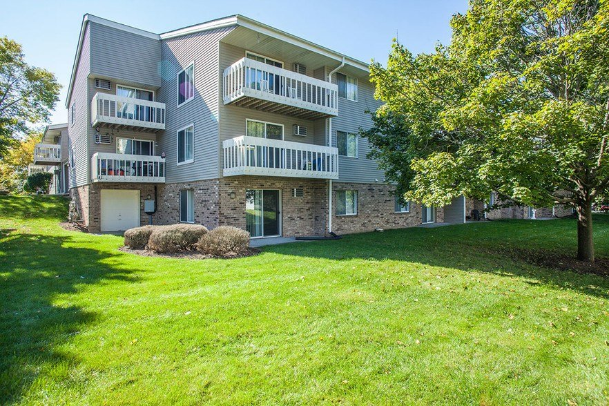 Best Kimberly Place Rentals Waukesha Wi Apartments Com With Pictures
