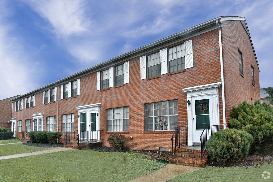 Best Berkeley Warwick Place Townhomes Rentals Richmond Va With Pictures
