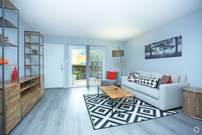 Best The Eleven Hundred Apartment Homes Apartments Sacramento With Pictures