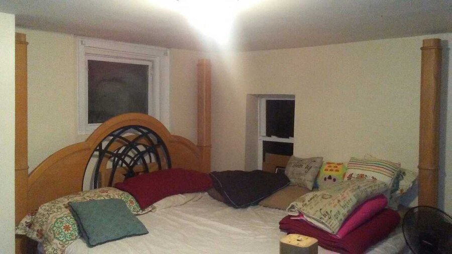 Best Used Broyhill Canopy King Size Bedroom Set In Geneva With Pictures
