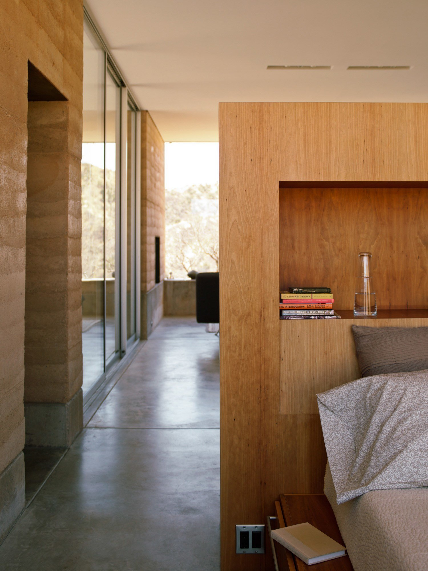 Best 20 Design Tips For Small Bedrooms Sunset Magazine With Pictures