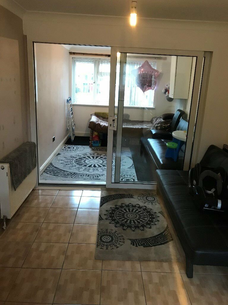 Best 1 Bed Studio Flat To Rent – Private Road In Slough Close With Pictures
