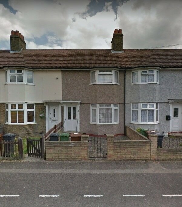 Best 2 Bedroom House To Rent Barking Ig11 In Barking With Pictures