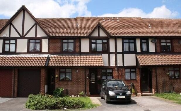Best Spacious 2 Bedroom House To Rent In Hayes In Uxbridge With Pictures