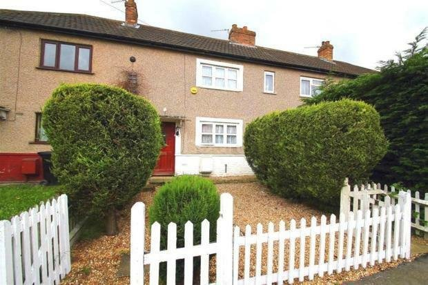 Best 2 Bedroom House In Mead Avenue Slough In Slough With Pictures