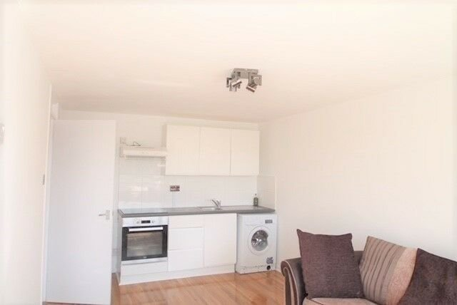 Best 2 Bedroom House Dss Accepted Greenwich Psoriasisguru Com With Pictures