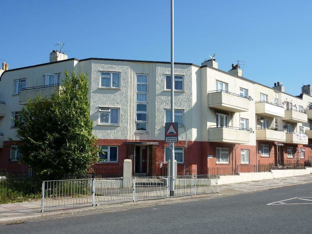 Best 2 Bedroom Flat Ground Floor High Street Flats Stonehouse Plymouth Pl1 3Sh In Plymouth With Pictures