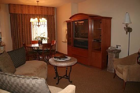 Best Living Room Two Bedroom Villa Picture Of Polo Towers Suites Las Vegas Tripadvisor With Pictures
