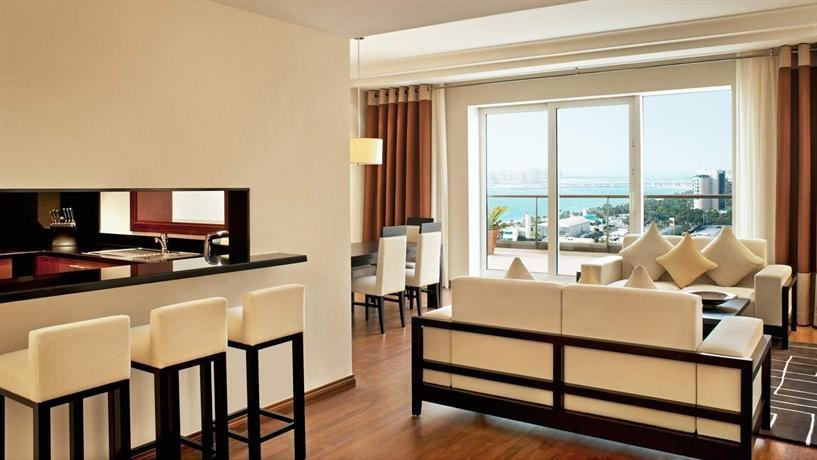 Best Grosvenor House Dubai Compare Deals With Pictures