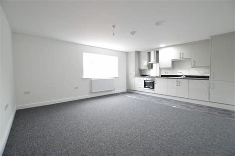 Best Martin Co Slough 2 Bedroom Apartment To Rent In Chalvey With Pictures