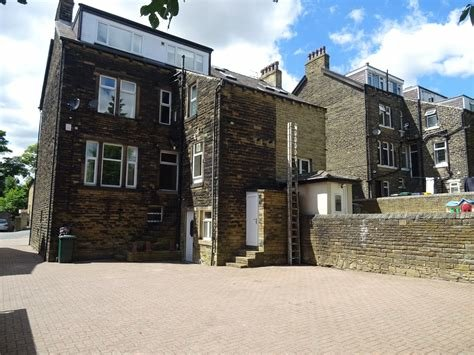 Best Whitegates Bradford 6 Bedroom House For Sale In Cranbourne With Pictures
