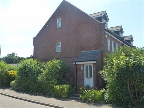 Best 2 Bedroom Maisonette To Rent In Dunstable Alexander Co With Pictures