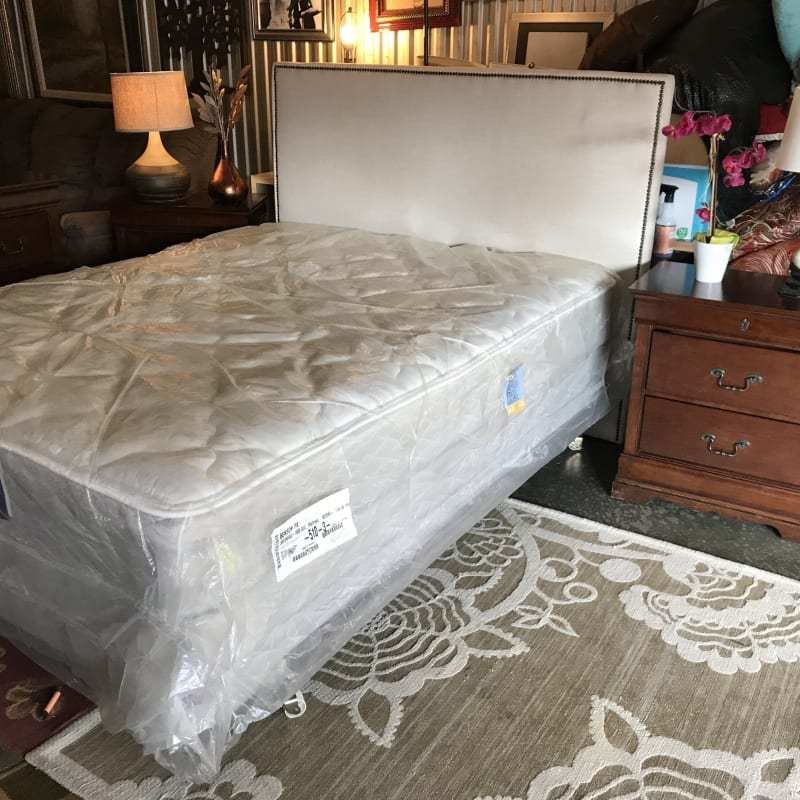 Best Complete Queen Size Used Bedroom Set More Info On The With Pictures