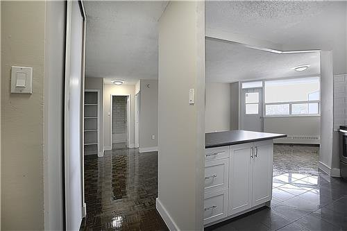 Best 3 Bedroom Apartments For Rent At 3122 Hurontario Street With Pictures