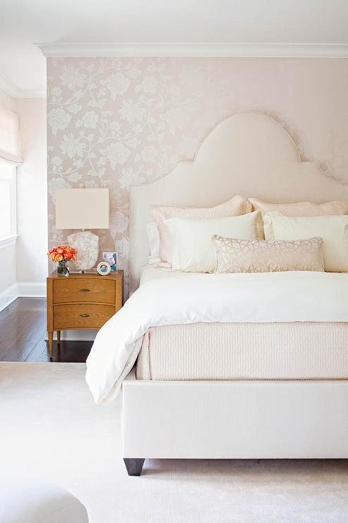 Best White Bedroom With Schumacher Manor Gate Silver Wallpaper With Pictures