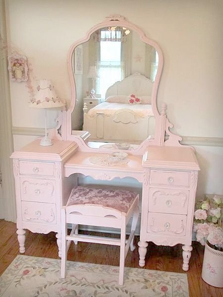 Best Beautiful Antique Vanity With Mirror And Bench Home Decor Pinterest Beautiful Cottage With Pictures