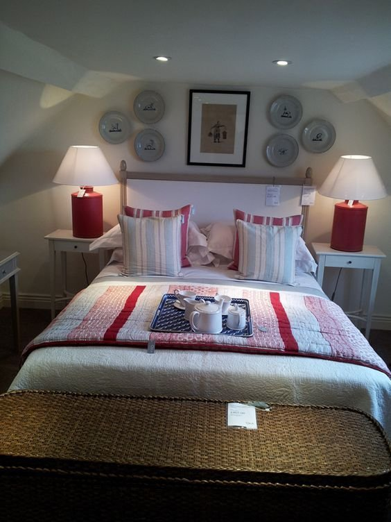 Best New England Style Bedroom Layout Okadirect Broadway With Pictures