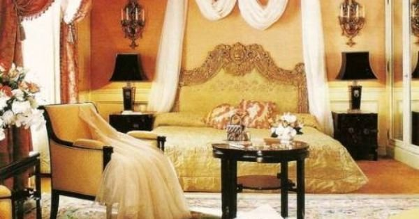 Best Chanel Themed Bedroom Chanel Room Decor Coco Chanel With Pictures