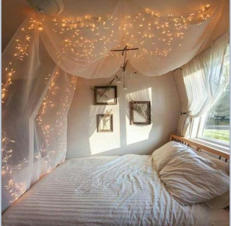 Best Bee Lights And Mosquito Netting Above The Bed Pretty Sure With Pictures