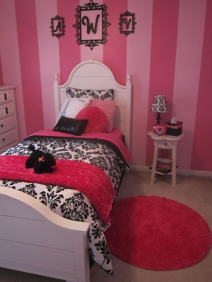Best Girls Paris Bedroom Bed And Rug Love The Stripes On The With Pictures