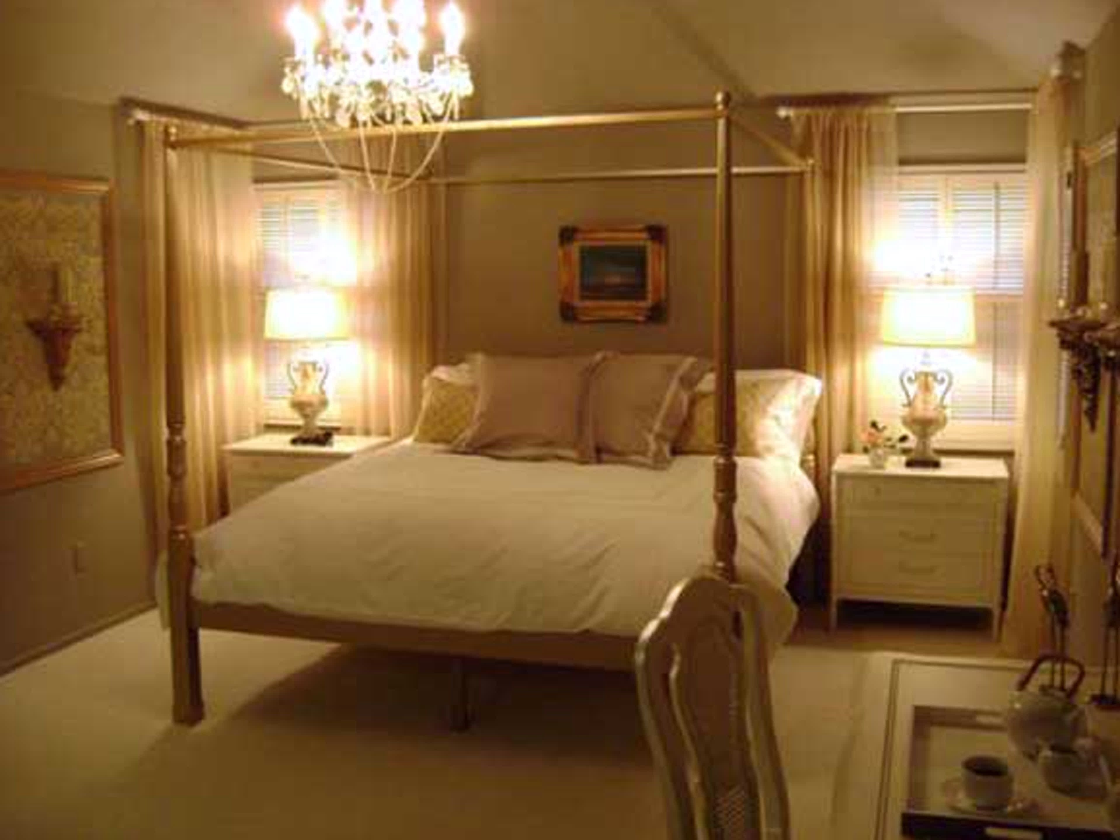 Best Small Romantic Bedroom Decorating Ideas Small Bedroom With Pictures