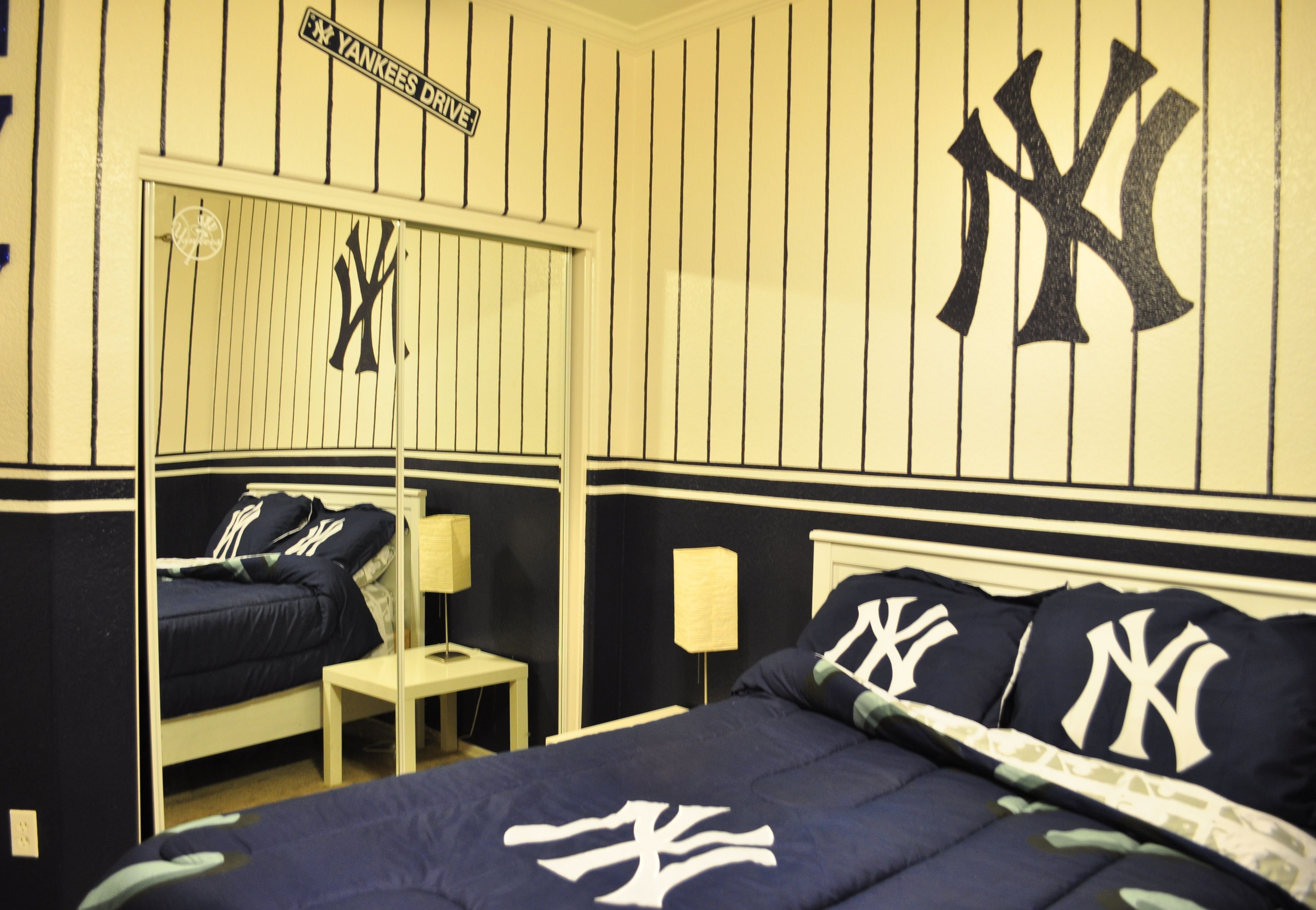 Best New York Yankees Kids Bedroom Id Do This For My Room Not With Pictures