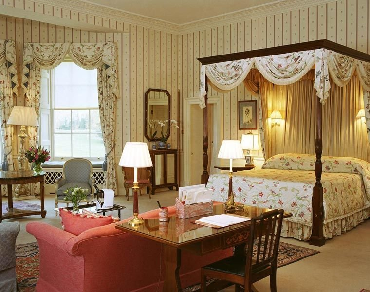 Best Rooms In Buckingham Palace Inside Buckingham Palace Bedroom The House Was Converted In The With Pictures