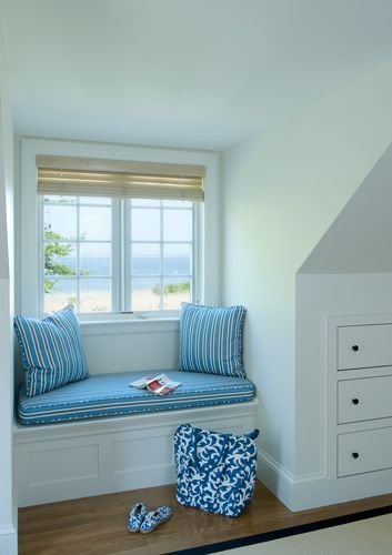 Best Simple Window Seat Does A Lot For The Dormer Built In With Pictures