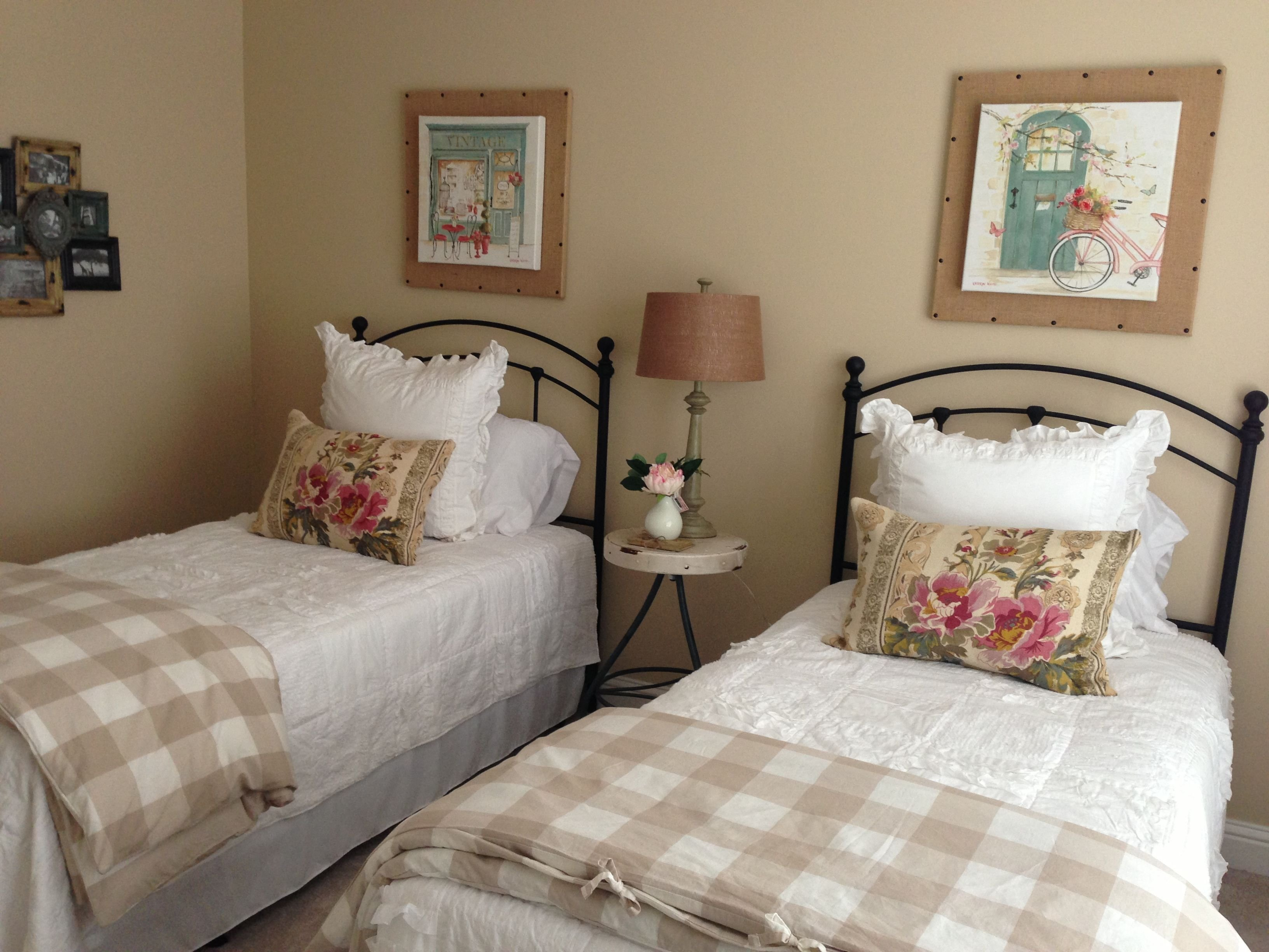 Best Guest Room With Twin Beds Mine Mine All Mine With Pictures