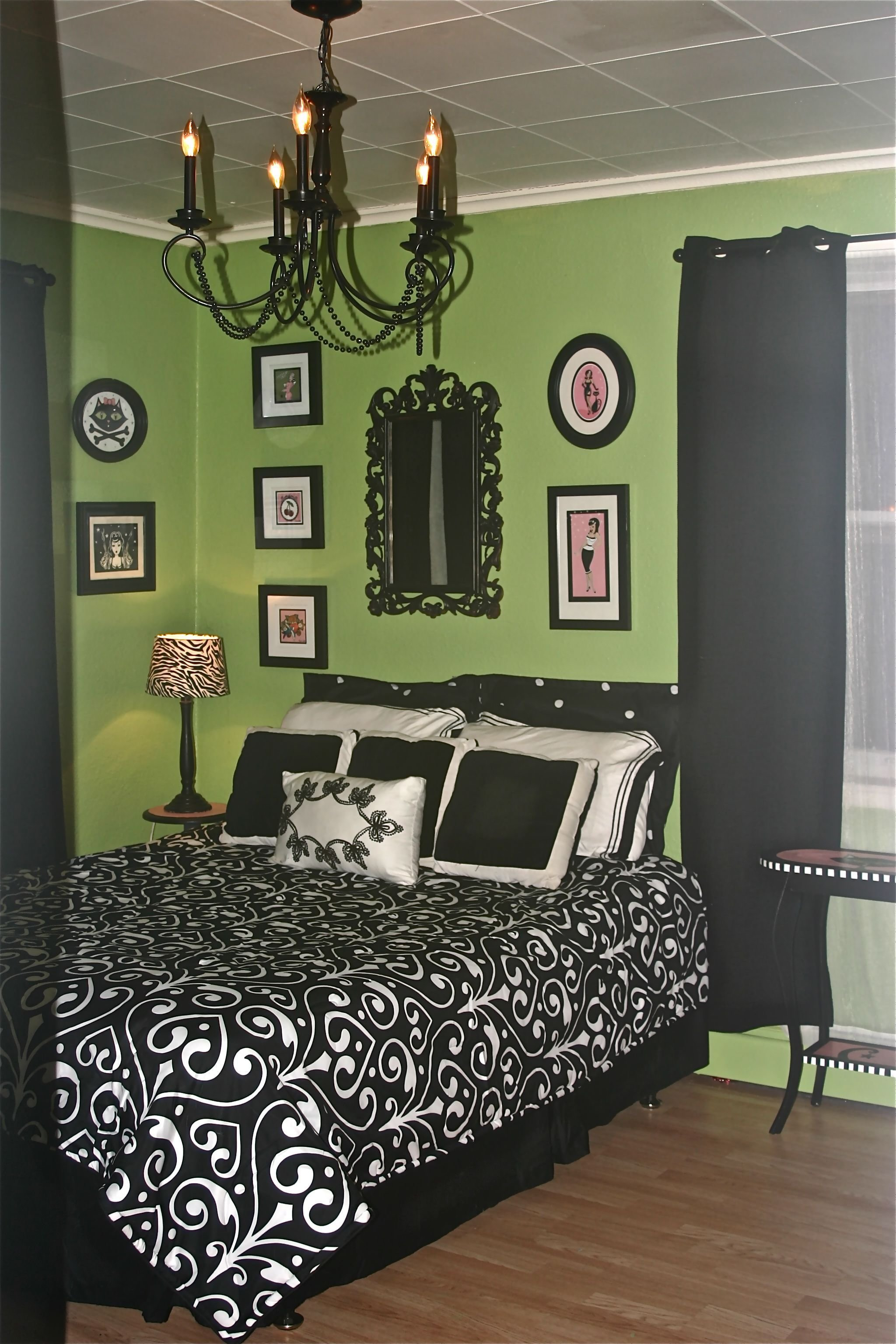 Best Green Black And Pink Just Painted My Bathroom This With Pictures