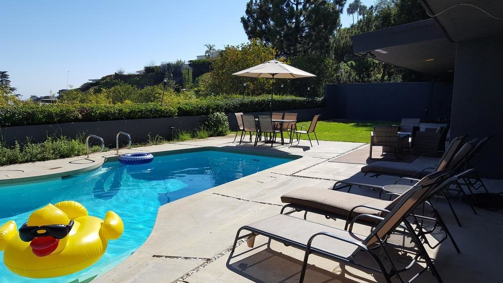 Best Vacation Home Four Bedroom House With Pool Los Angeles With Pictures