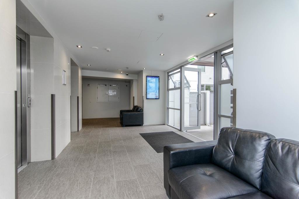 Best Modern And Cozy 2 Bedroom Apartment In Auckland Cbd New With Pictures