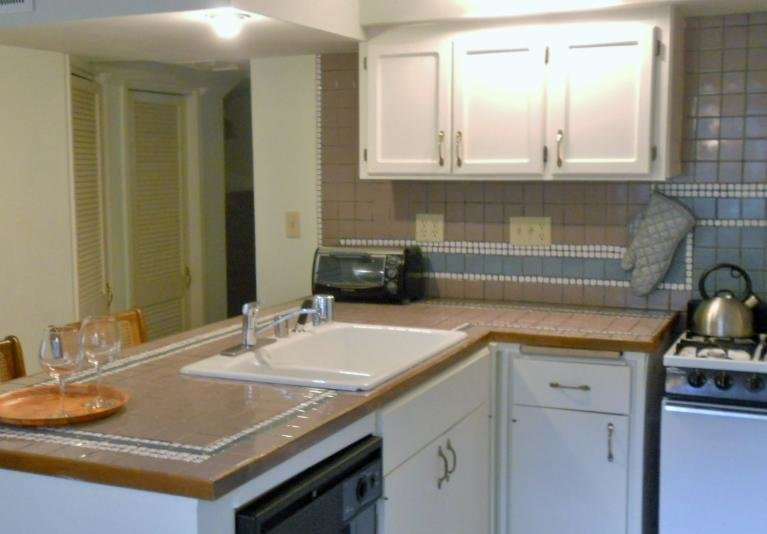 Best Apartment Two Bedroom Suite Near The Beach Seattle Wa Booking Com With Pictures