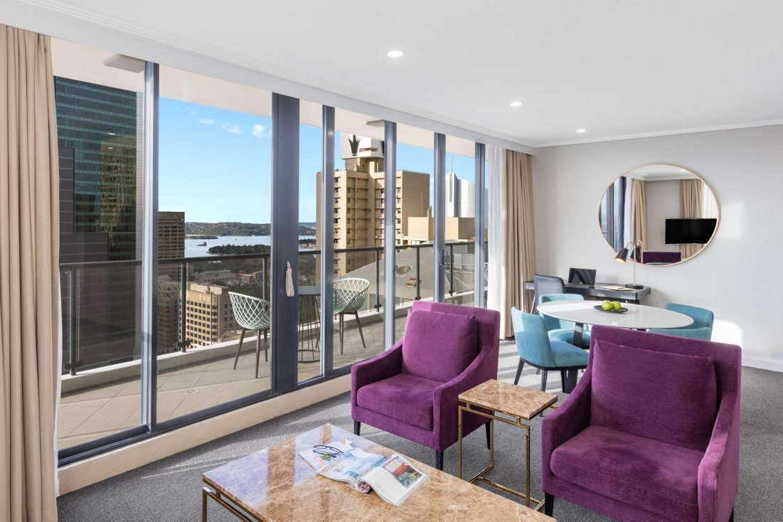 Best Two Bedroom Luxury Suite Pitt Street Sydney Meriton Suites With Pictures