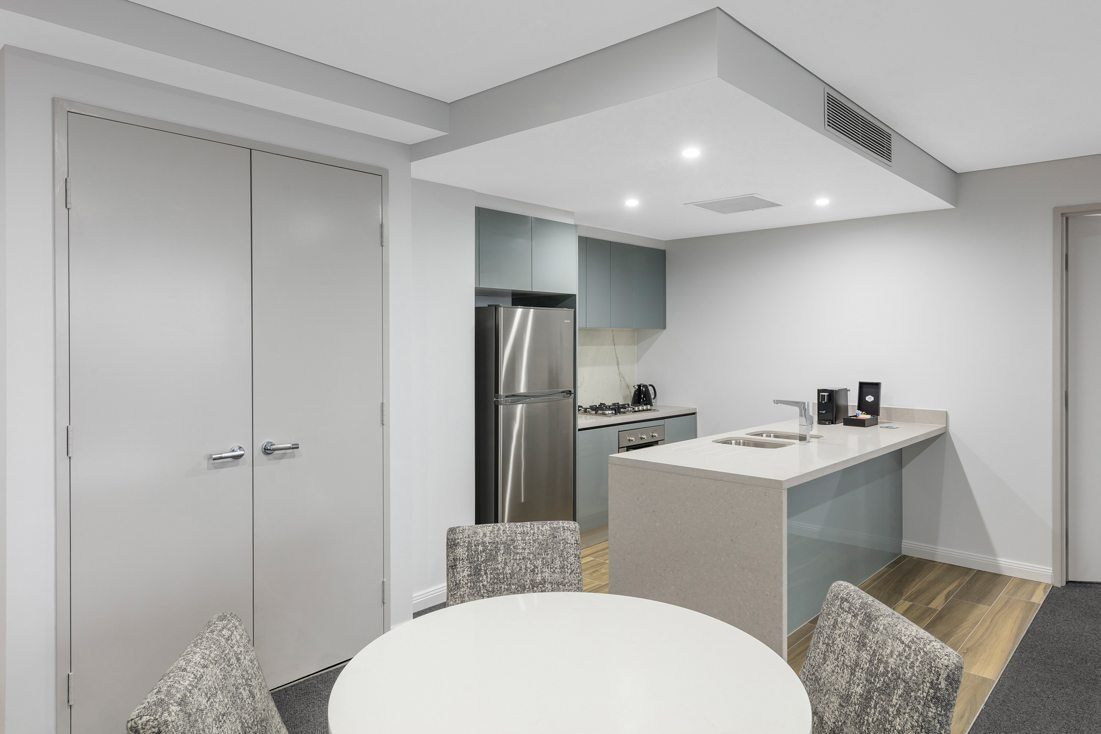 Best 2 Bedroom Harbour Suite North Sydney Meriton Suites With Pictures