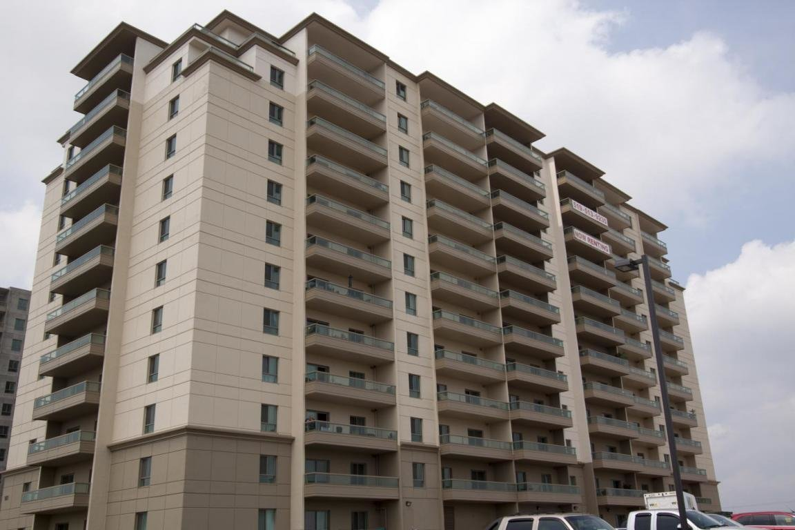 Best Fallowfield Towers Kitchener Apartment Rentals Drewlo With Pictures