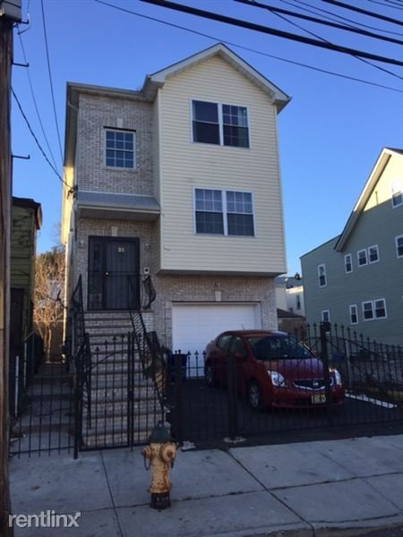 Best 25 Hanford St Newark Nj 07114 3 Bedroom Apartment For Rent Padmapper With Pictures