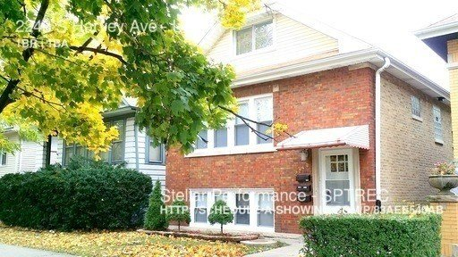 Best 2243 S Harvey Ave Berwyn Il 60402 1 Bedroom Apartment With Pictures