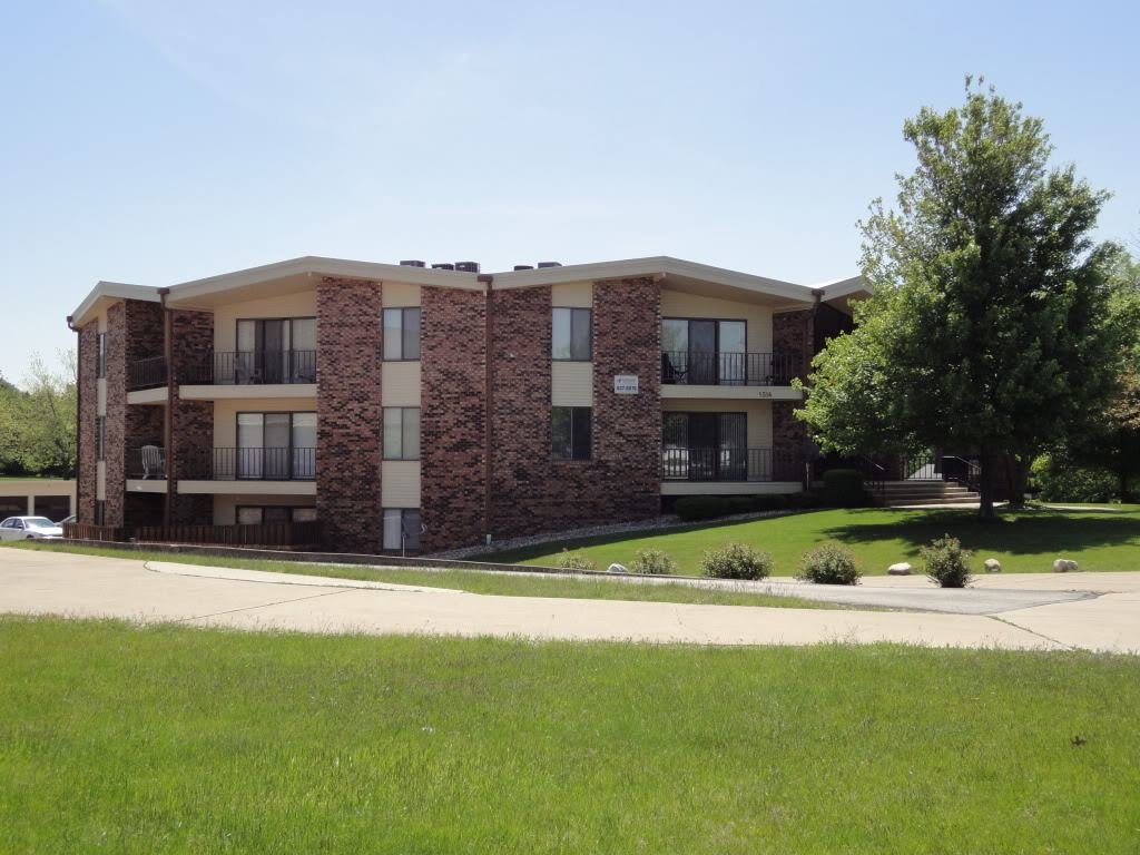Best Apartments In Normal Il Apartment Mart With Pictures