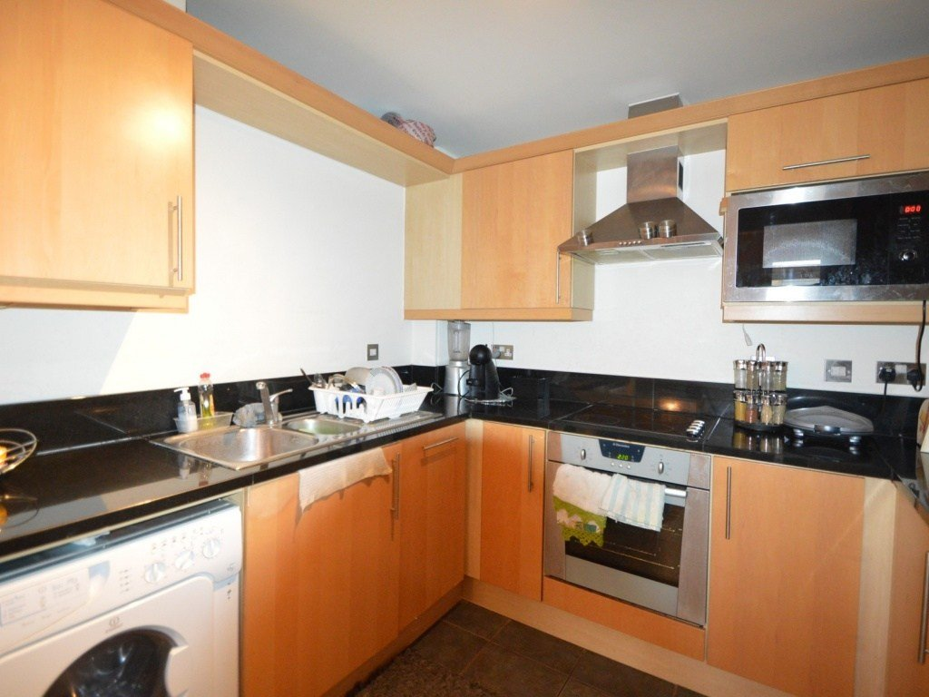 Best Buy A 2 Bedroom Flat In Turner House Cassilis Road E14 London With Pictures
