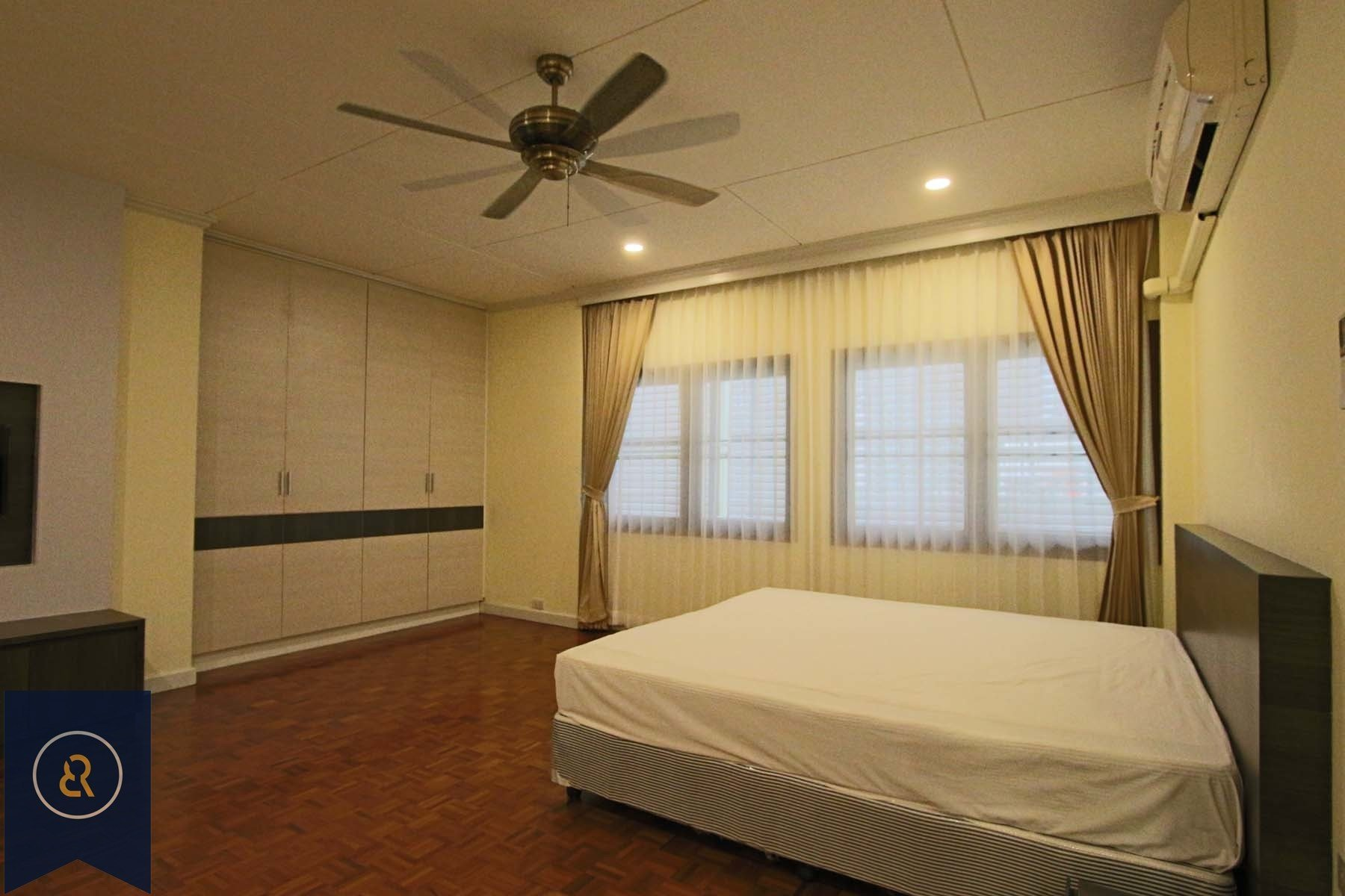 Best Large Balcony Two Bedroom Apartment For Rent In Phrom With Pictures